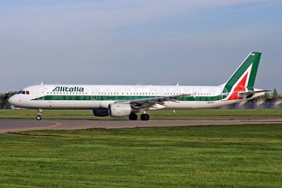 Alitalia (3rd) (Societa Aerea Italiana) Airbus A321-112 I-BIXN (msn 576) LHR. Image: 938465.