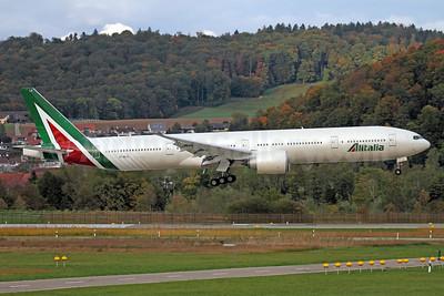 Alitalia's first Boeing 777-300