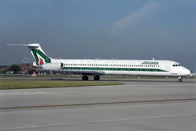 Alitalia (1st) (Linee Aeree Italiane) McDonnell Douglas DC-9-82 (MD-82) I-DATM (msn 53230) LHR (Antony J. Best). Image: 902007.