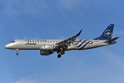 Alitalia CityLiner Embraer ERJ 190-100 EI-RND (msn 19000512) (SkyTeam) LCY (Rolf Wallner). Image: 944444.