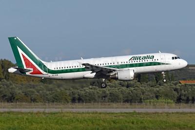 Alitalia (3rd) (Societa Aerea Italiana) Airbus A320-216 EI-EIB (msn 4249) FCO (Richard Vandervord). Image: 955556.
