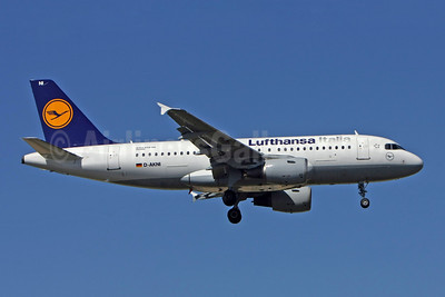 Lufthansa Italia Airbus A319-112 D-AKNI (msn 1016) LIS (Pedro Baptista). Image: 902974.