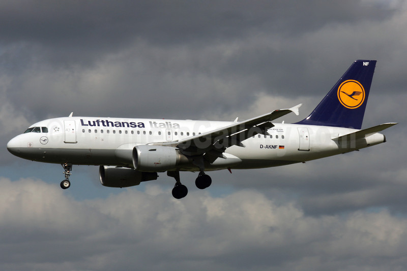 Lufthansa Italia Airbus A319-112 D-AKNF (msn 646) LHR (Antony J. Best). Image: 902662.