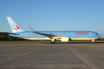 Neos Boeing 767-324 ER WL I-NDDL (msn 27568) ZRH (Rolf Wallner). Image: 928585.