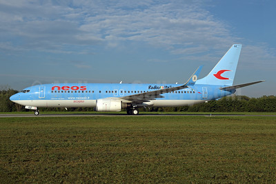 Neos Boeing 737-86N SSWL I-NEOZ (msn 34257) (Radio Italia) ZRH (Rolf Wallner). Image: 943565.