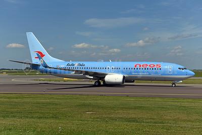 Neos Boeing 737-86N WL I-NEOT (msn 33004) (Radio Italia) AMS (Ton Jochems). Image: 950909.
