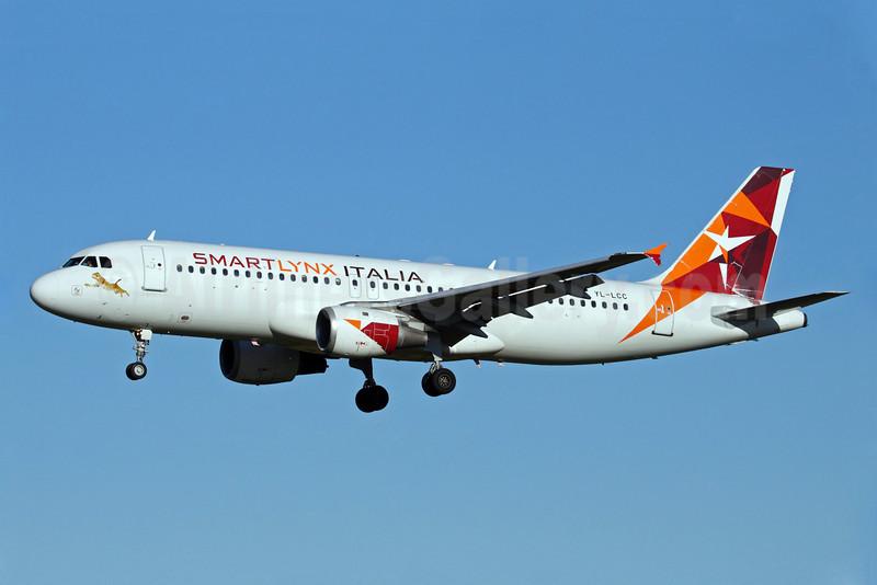 SmartLynx Italia (SmartLynx Airlines) Airbus A320-211 YL-LCC (msn 310) ARN (Stefan Sjogren). Image: 903092.