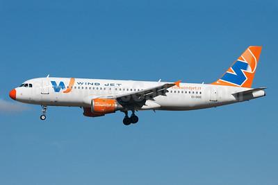 Wind Jet Airbus A320-211 EI-DOE (msn 215) TLS (Guillaume Besnard). Image: 905480.