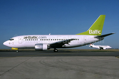 airBaltic (airBaltic.com) Boeing 737-548 YL-BBF (msn 24878) CDG (Pepscl). Image: 900762.