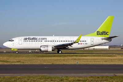 airBaltic (airBaltic.com) Boeing 737-33V WL YL-BBK (msn 29332) CDG (Ole Simon). Image: 911582.