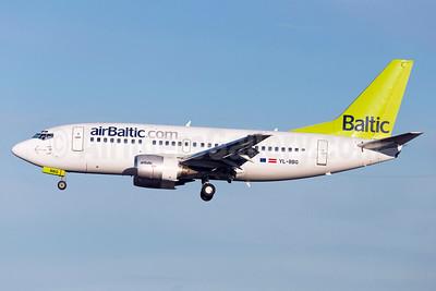 airBaltic (airBaltic.com) Boeing 737-522 YL-BBQ (msn 26691) ARN (Stefan Sjogren). Image: 932517.