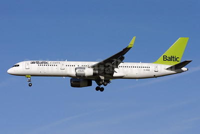 airBaltic (airBaltic.com) Boeing 757-256 WL YL-BDB (msn 26251) LGW (Terry Wade). Image: 901819.