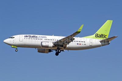 airBaltic (airBaltic.com) Boeing 737-33V WL YL-BBL (msn 29334) LGW (Keith Burton). Image: 910833.