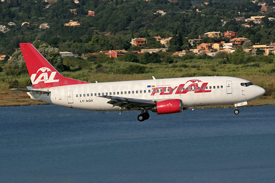 FlyLAL-Lithuanian Airlines Boeing 737-322 LY-AQX (msn 24664) CFU (SPA). Image: 940274.