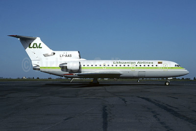 Lithuanian Airlines-LAL Yakovlev Yak-42D LY-AAS (msn 4520423811395) VNO (Christian Volpati Collection). Image: 951429.