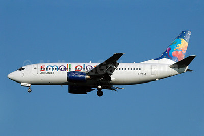Small Planet Airlines (Lithuania) Boeing 737-3L9 LY-FLE (msn 27061) MAN (Nik French). Image: 907246.