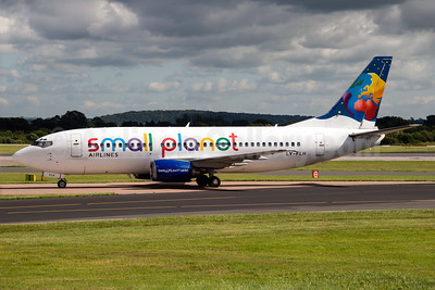 Small Planet Airlines (Lithuania) Boeing 737-382 LY-FLH (msn 25161) MAN (Rob Skinkis). Image: 933140.