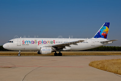 Small Planet Airlines (Lithuania) Airbus A320-211 YL-LCE (msn 311) AYT (Ton Jochems). Image: 907245.