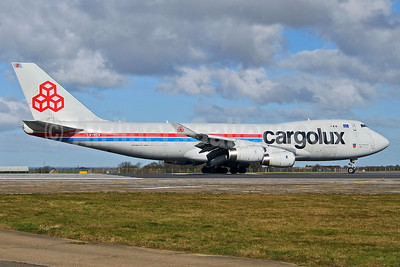 Cargolux Airlines International (Luxembourg) Boeing 747-4R7F LX-VCV (msn 34235) MSE (Keith Burton). Image: 904841.