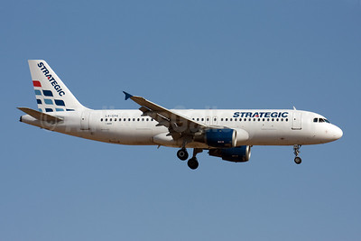 Strategic Airlines (Luxembourg) Airbus A320-212 LX-STA (msn 446) PMI (Michael Stappen). Image: 907122.