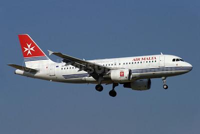 Air Malta (2nd) Airbus A319-111 9H-AEH (msn 2122) LGW (Antony J. Best). Image: 907260.