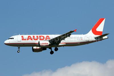 Lauda (Europe) (Malta) Airbus A320-214 9H-LOR (msn 3206) PMI (Javier Rodriguez). Image: 951370.