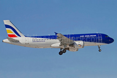 Air Moldova Airbus A320-211 ER-AXV (msn 622) ARN (Stefan Sjogren). Image: 906212.