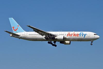 Arkefly (TUI Airlines Nederland) Boeing 767-383 ER PH-AHY (msn 24848) AMS (Karl Cornil). Image: 907972.