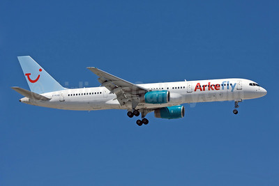 Arkefly (TUI Airlines Nederland) (Skyservice Airlines) Boeing 757-2Y0 C-FLOX (msn 26158) AYT (Ole Simon). Image: 903184.