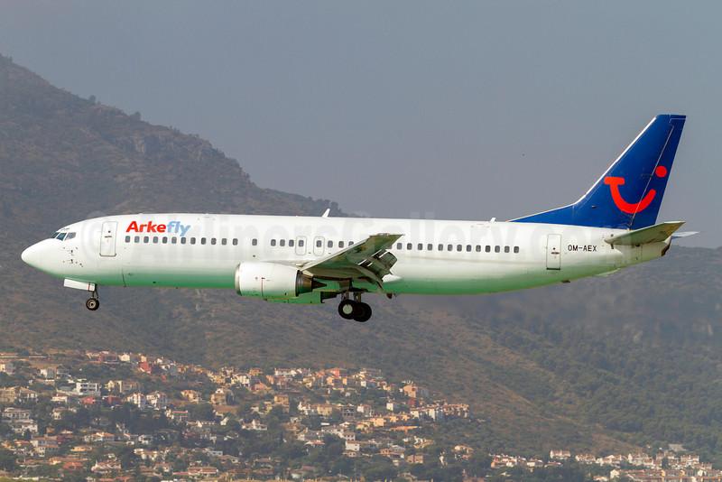 Arkefly (AirExplore) Boeing 737-4Y0 OM-AEX (msn 25178) (AirExplore colors) AGP (Stefan Sjogren). Image: 913012.