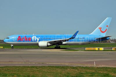 Arkefly (TUI Airlines Nederland) Boeing 767-304 ER WL PH-OYJ (msn 29384) AMS (Ton Jochems). Image: 906292.