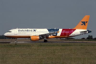 DutchBird Airbus A320-214 PH-BMC (msn 1081) AMS ((Robbie Shaw). Image: 954731.