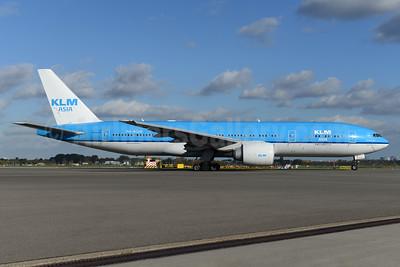 KLM Asia (KLM Royal Dutch Airlines) Boeing 777-206 ER PH-BQM (msn 34712) AMS (Ton Jochems). Image: 935435.
