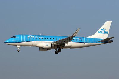 KLM Cityhopper Embraer ERJ 170-200STD (ERJ 175) PH-EXZ (msn 17000723) ZRH (Andi Hiltl). Image: 943341.