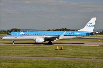 KLM Cityhopper Embraer ERJ 190-100STD PH-EZE (msn 19000288) MAN (Richard Vandervord). Image: 927970.