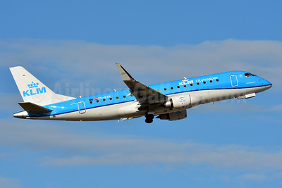 KLM Cityhopper Embraer ERJ 170-200STD (ERJ 175) PH-EXR (msn 17000697) BSL (Paul Bannwarth). Image: 943003.