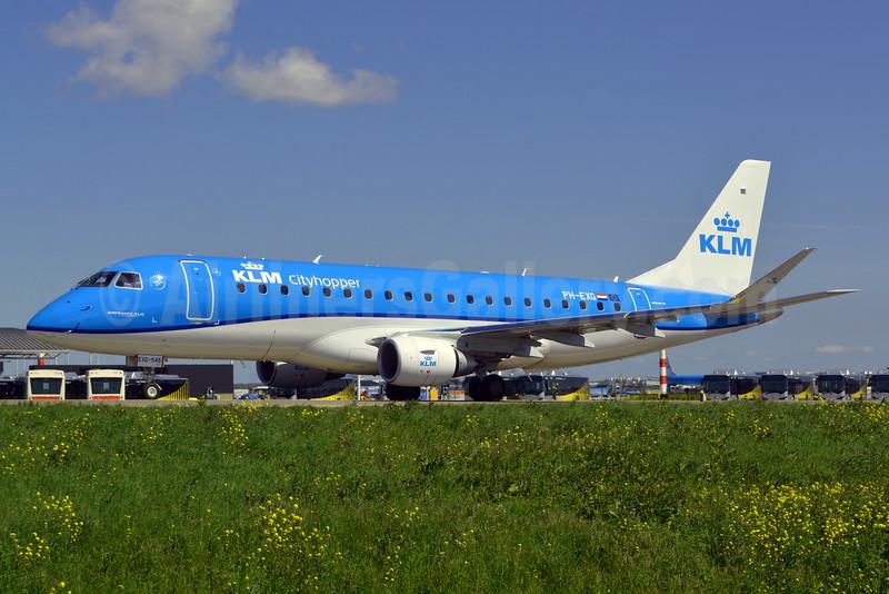 KLM Cityhopper Embraer ERJ 170-200STD (ERJ 175) PH-EXG (msn 17000546) AMS (Marco Finelli). Image: 932712.