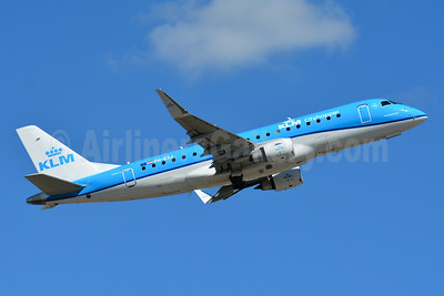 KLM Cityhopper Embraer ERJ 170-200STD (ERJ 175) PH-EXJ (msn 17000597) BSL (Paul Bannwarth). Image: 947635.