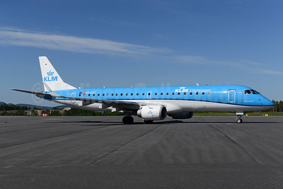 KLM Cityhopper Embraer ERJ 190-100STD PH-EZC (msn 19000250) BGO (Ton Jochems). Image: 933248.