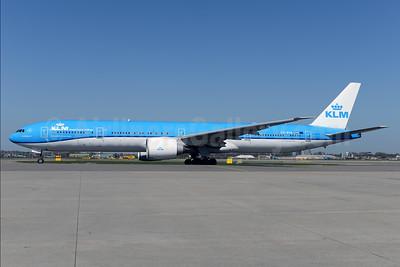 KLM Royal Dutch Airlines Boeing 777-306 ER PH-BVA (msn 35671) AMS (Ton Jochems). Image: 927247.
