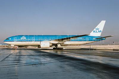 KLM Royal Dutch Airlines Boeing 777-206 ER PH-BQC (msn 29397) AMS (Ton Jochems). Image: 955492.