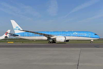 KLM Royal Dutch Airlines Boeing 787-9 Dreamliner PH-BHE (msn 38765) AMS (Ton Jochems). Image: 941274.