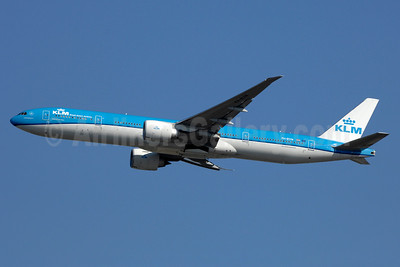 KLM Royal Dutch Airlines Boeing 777-306 ER PH-BVN (msn 44549) YYZ (TMK Photography). Image: 933942.