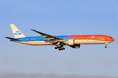 """KLM's 2016 """"OrangePride"""" special livery"""