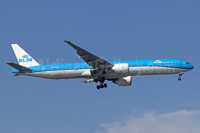 KLM Royal Dutch Airlines Boeing 777-306 ER PH-BVO (msn 35946) BKK (Michael B. Ing). Image: 936177.