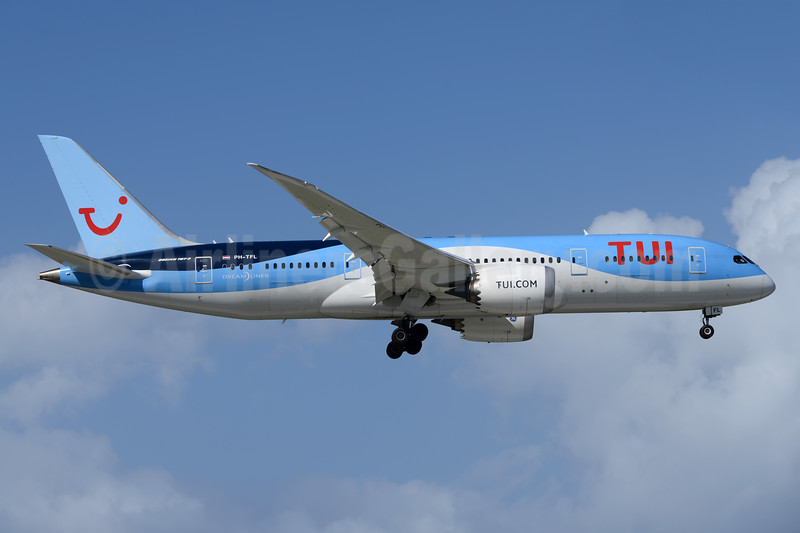TUI Airlines (Netherlands) Boeing 787-8 Dreamliner PH-TFL (msn 37228) CUR (Ton Jochems). Image: 936993.