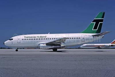 Transavia Holland Boeing 737-222 PH-TVI (msn 19940) ATH (Richard Vandervord). Image: 949043.