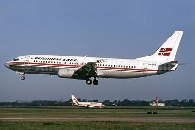 Braathens SAFE Boeing 737-405 LN-BRA (msn 24270) (50 Years - 1946-1996) DUB (SM Fitzwilliams Collection). Image: 913681.