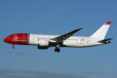 Norwegian Air Shuttle (Norwegian.com) (Norwegian Long Haul) Boeing 787-8 Dreamliner EI-LNF (msn 35313) LGW (SPA). Image: 927101.