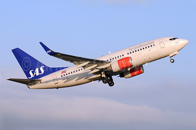 Scandinavian Airlines-SAS (SAS Norge) Boeing 737-705 WL LN-TUL (msn 29097) MAN (Rob Skinkis). Image: 908180.